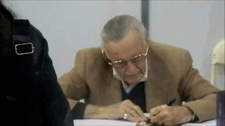 STAN LEE SIGNING AT THE LONDON SUPER COMIC CONVENTION 25/02/2012