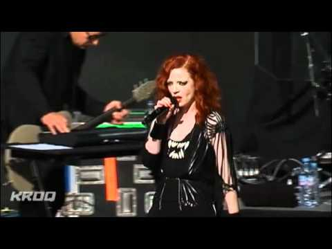 Garbage -  Push It [Live @ KROQ Weenie Roast 2012]