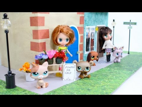How to Make a Recycled Mini Doll Townhouse   Plus Tour