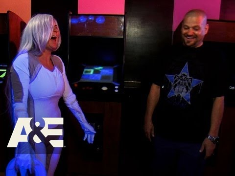 Storage Wars: Brandi and Jarrod's Tron Costume (Season 8 ...