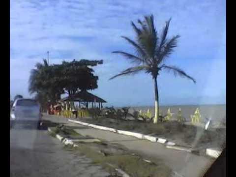 Passeio de carro pela orla de Alcoba�a/Bahia