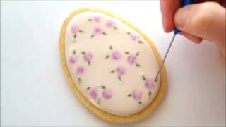 How to use the royal icing wet-on-wet technique on a cookie
