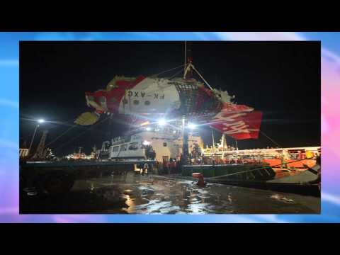 AirAsia QZ8501 Divers Recover Black box Flight Recorder – Red Pix 24x7