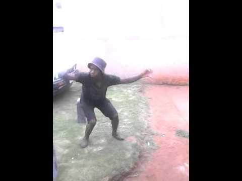 Zulu rapper dancing zulu dance