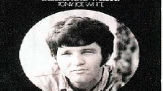 Watch Tony Joe White Wichita Lineman video