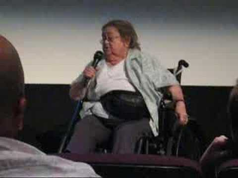 Zelda Rubinstein Speaks at Poltergeist Screening