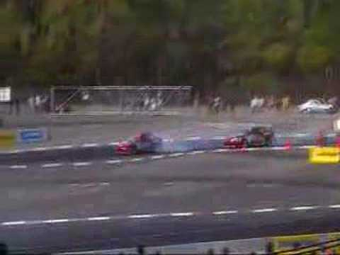 Toyota corolla AE86 vs Lexus SC 300 Drift D1GP Video