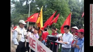 Hoà hợp và hoà giải dân tộc - Cờ Vàng & Cờ Đỏ cùng biểu tình chống TQ