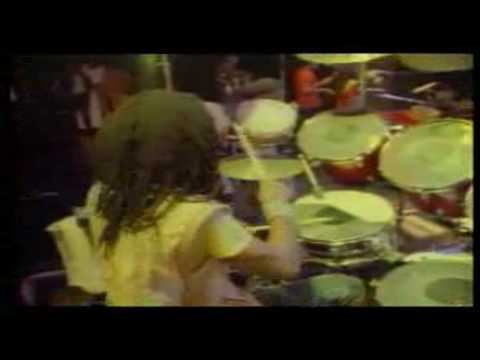 ♫ ♕ Peter Tosh ♕ Live Johnny B. Goode In 1983 HD ♫