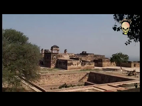 Ghost caught on tape in Gwalior Fort, INDIA: Real ghost activity caught on camera