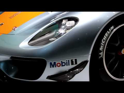 Porsche 918 RSR revealed in Detroit