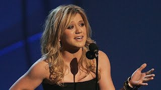 Download Lagu 10 UNFORGETTABLE Kelly Clarkson Moments (HD) Gratis STAFABAND