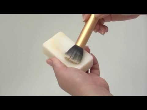 Jak czyścić pędzle do makijażu? tanio, szybko i skutecznie (w tym pędzle do podkładu)