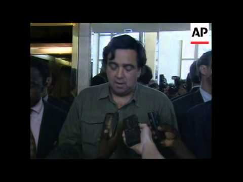 ZAIRE: KINSHASA: US AMBASSADOR BILL RICHARDSON ARRIVES