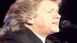 Watch John Lodge Summer Breeze video