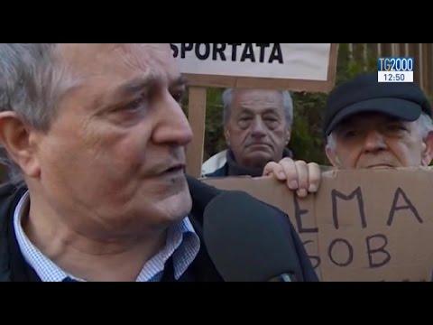 Banche, situazione difficile per Montepaschi e Banca Carige. Protesta davanti alla Consob