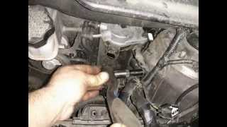 Замена топливного фильтра HYUNDAI. IX 35 CRDI.Replacing the fuel filter HYUNDAI. IX35 CRDI
