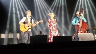 JEWEL/ATZ LEE - YODELING DEATH SONG - HANDMADE HOLIDAY TOUR @ PALACE THEATER IN ALBANY, NY 12:14:18