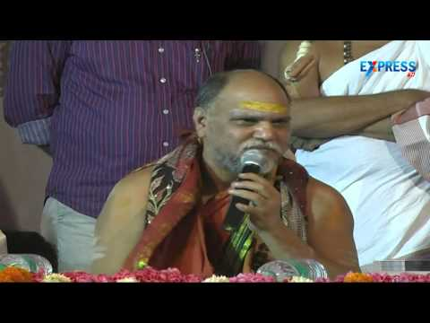 Swami Swaroopananda inaugurates Vishudha Vedanta Saram book in Delhi