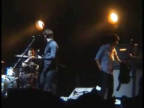 Arctic Monkeys live at the Alexandra Palace 8.12.2007