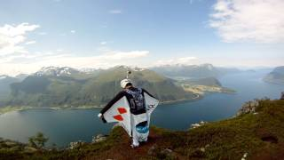 ‪GoPro 3D: Wingsuit Base Jumping in Norway with GoPro Bombsquad‬