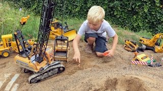 BRUDER TOYs Tunnel LONG PLAY! Truck recovery in Jack's bworld CONSTRUCTION