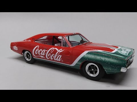 1969 Dodge Charger R/T Coca Cola 1/25 Scale Model Kit Build Review MPC919