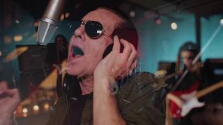 "Graham Bonnet Band - ""Livin' In Suspicion""のMVを公開 新譜「Meanwhile, Back In The Garage」日本盤 2018年7月4日発売収録曲 thm Music info Clip"