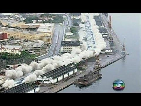Brazil: Large stretch of bridge destroyed as part of port re-development - no comment