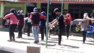 Flashmob zombie in area ( class X ips 1)