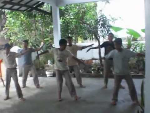 Blek Dik Dot video