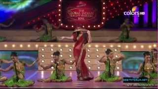 Zarine Khan (Katrina Kaif look a like and Salman Khan's girls) And Akhsay Kumar Performance 2012