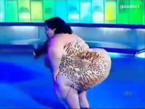 Fat lady dancing so well.