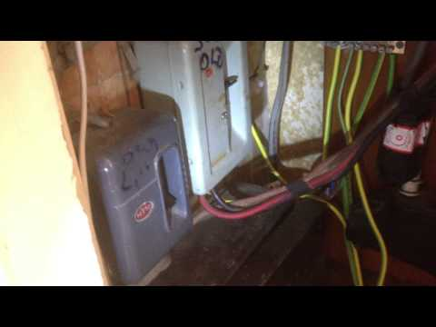 Old Electrical Distribution Board -Electrician London, electrical service, electrical maintenance