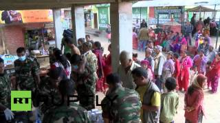 Nepal: Sri Lankan army deliver first help to remote village