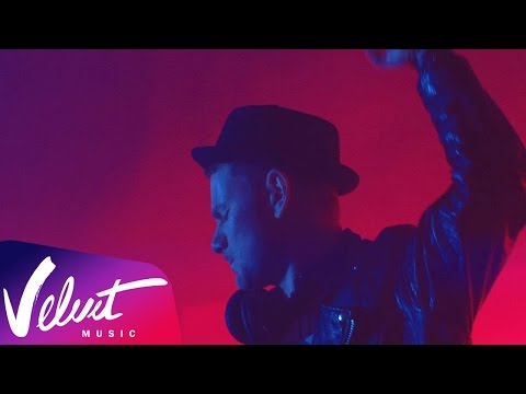 Смотреть клип SMASH — The Night Is Young