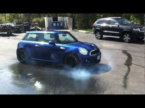 Turbo Mini Cooper Exhaust Revs & Burnout