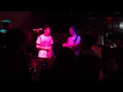 The Grundles (feat. Simon Austin) - Snickers 1-5-2013