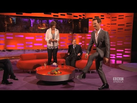 Benedict Cumberbatch does Beyonce's 'Crazy in Love' Walk - The Graham Norton Show on BBC America