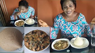 Mukbang Nigerian food. Oil-less okoro soup with  oatmeal fufu