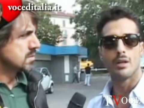 Fabrizio Corona furioso durante la consegna del Tapiro