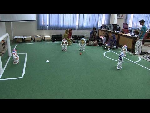 Pakistani roboteers hunt global soccer glory