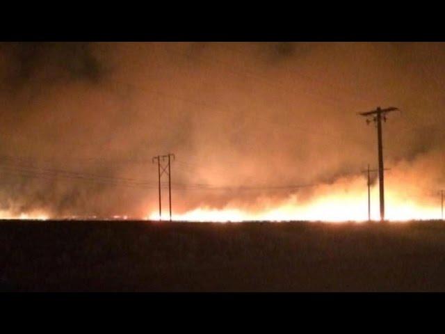 New Washington wildfire destroys buildings, force evacuations