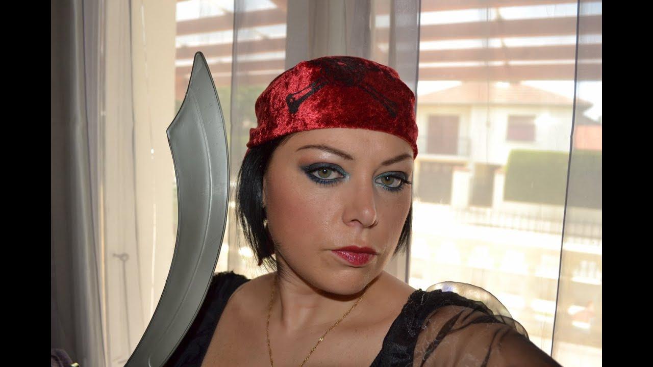 tuto maquillage de pirate avec costume youtube. Black Bedroom Furniture Sets. Home Design Ideas