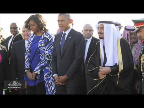 Michelle Obama Forgoes a Headscarf and Sparks a Backlash in Saudi Arabia - TOI