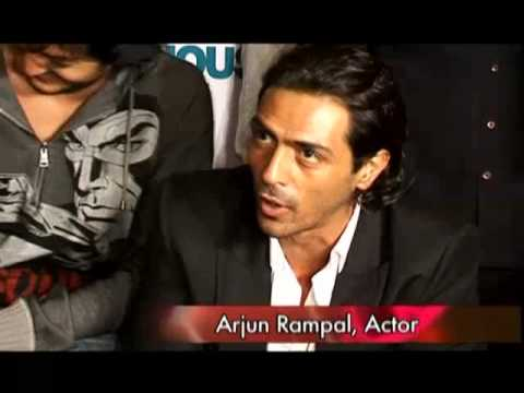 Katrina learning Cricket from Arjun Rampal Video
