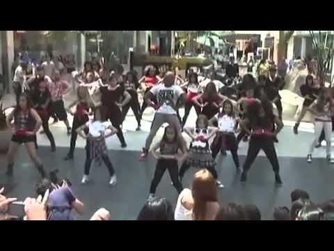 Beyonce - Run The World (Flashmob by Brooklyn Jai)