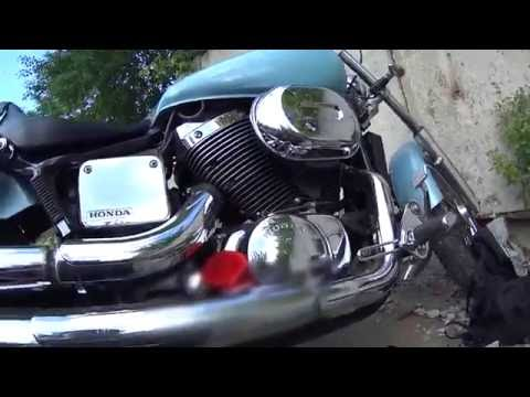 [Горе-мотоциклист #26] Замена масла в мотоцикле Honda Shadow | Steed