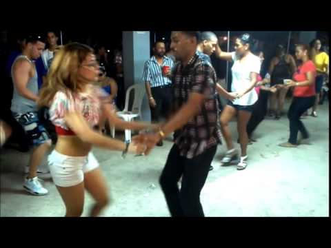 Bailando Dejala montaje con Yarelis