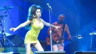 Amy Winehouse FALLS During  Concert In Recife, Brazil / January 13th, 2011